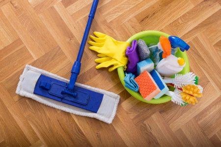 pulizia del parquet
